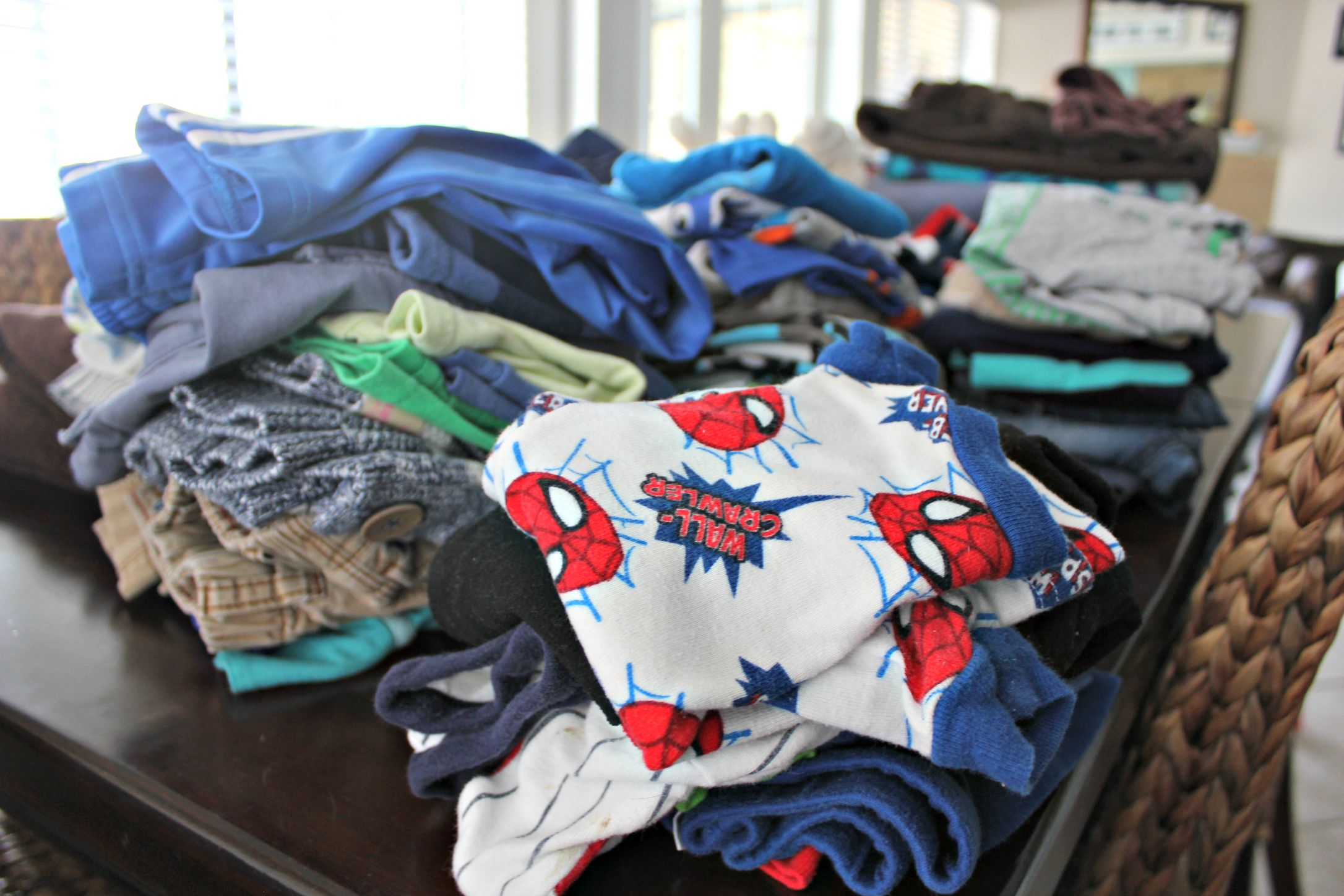 15 Reasons I Hate Folding Laundry SheJustGlows.com