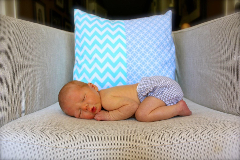 Precious Newborn Photo Ideas SheJustGlows.com