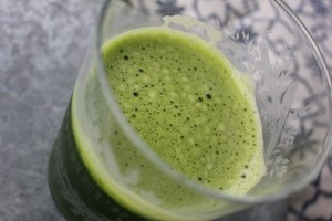 Get-Your-Spinach-For-The-Day-While-Tasting-Spearmint Juice SheJustGlows.com