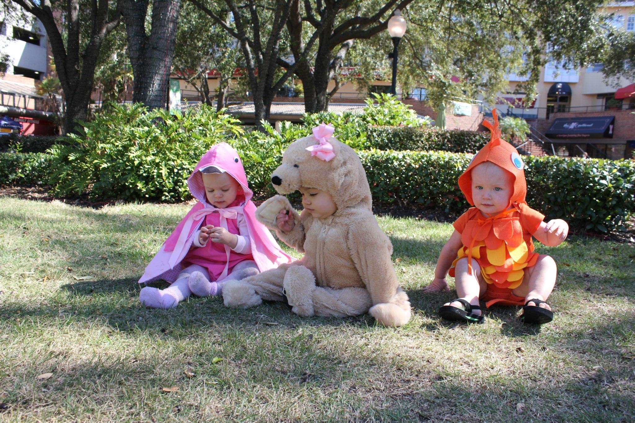 Less-Than-$7 DIY Family Fish Halloween Costume Idea SheJustGlows.com