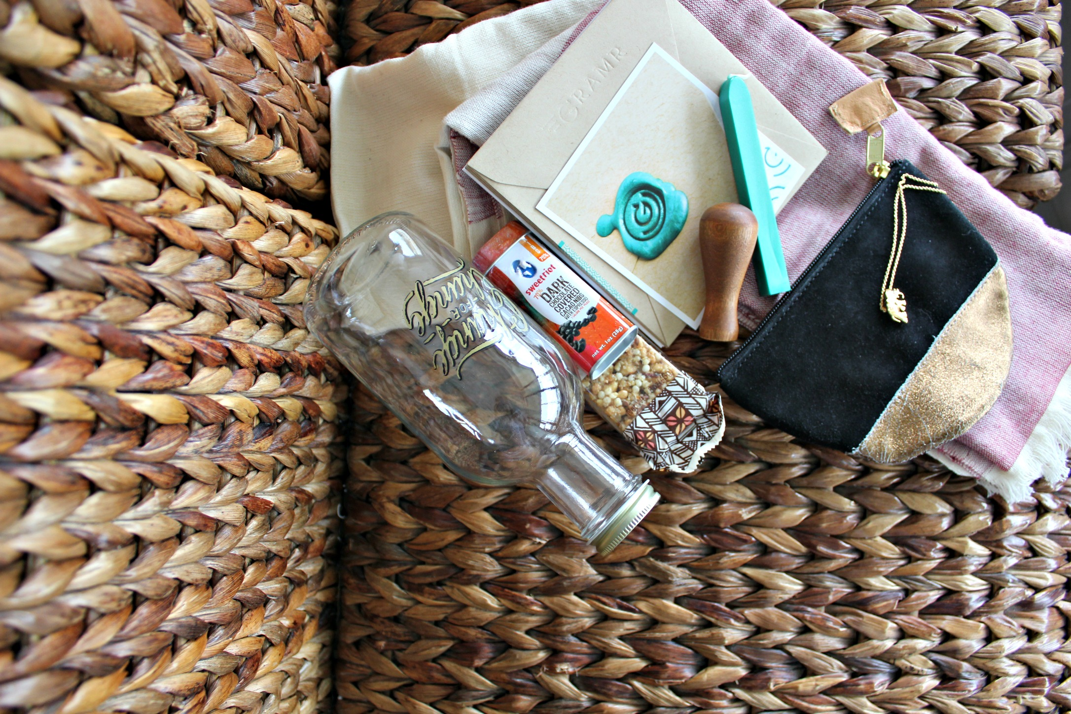 12 No-Fail Tips For Putting Together Amazing Gift Baskets (+150 Basket Theme Ideas) SheJustGlows.com