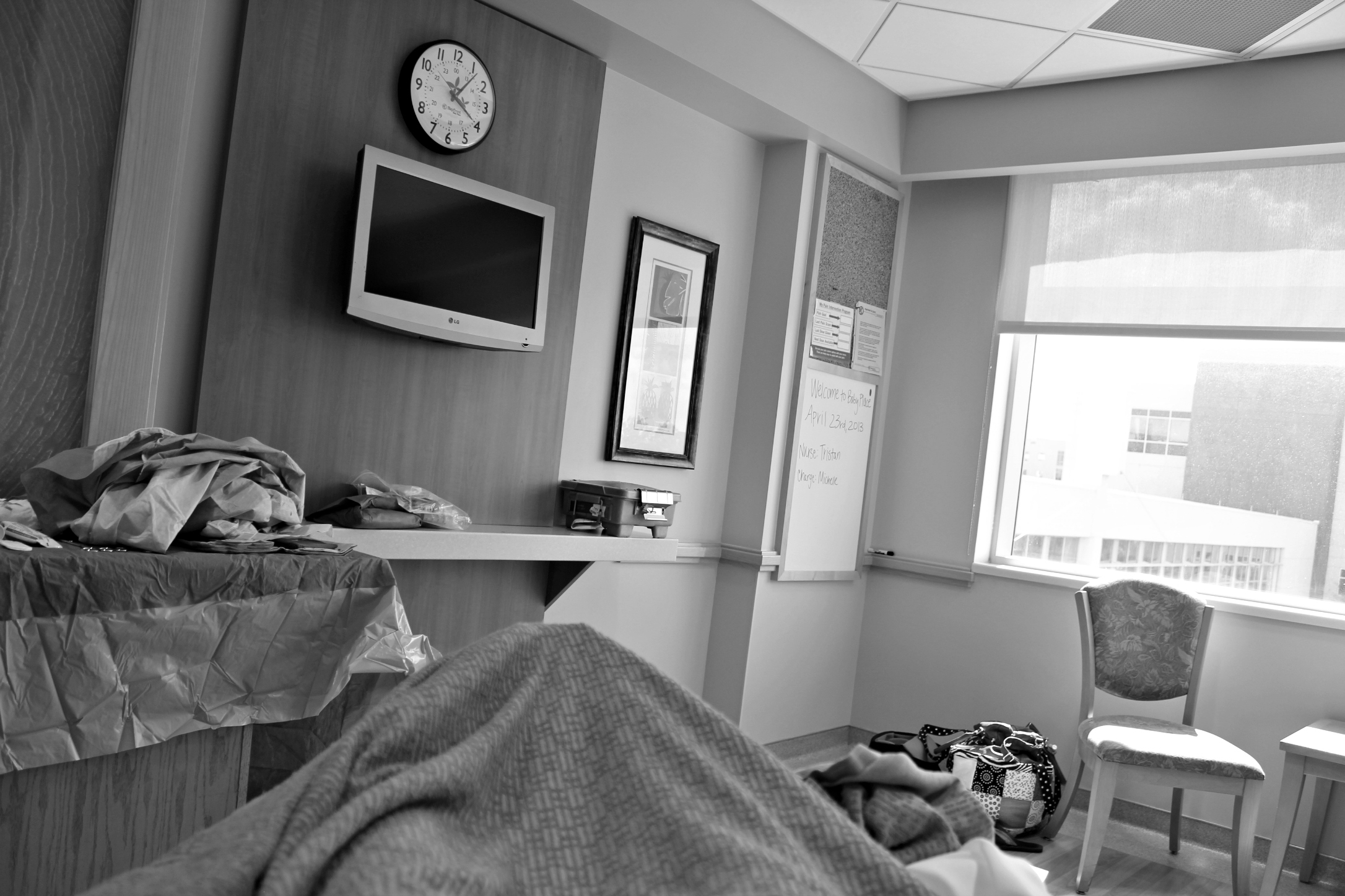How to Have a Natural Birth in a Hospital (14 Nitty-Gritty Details) SheJustGlows.com