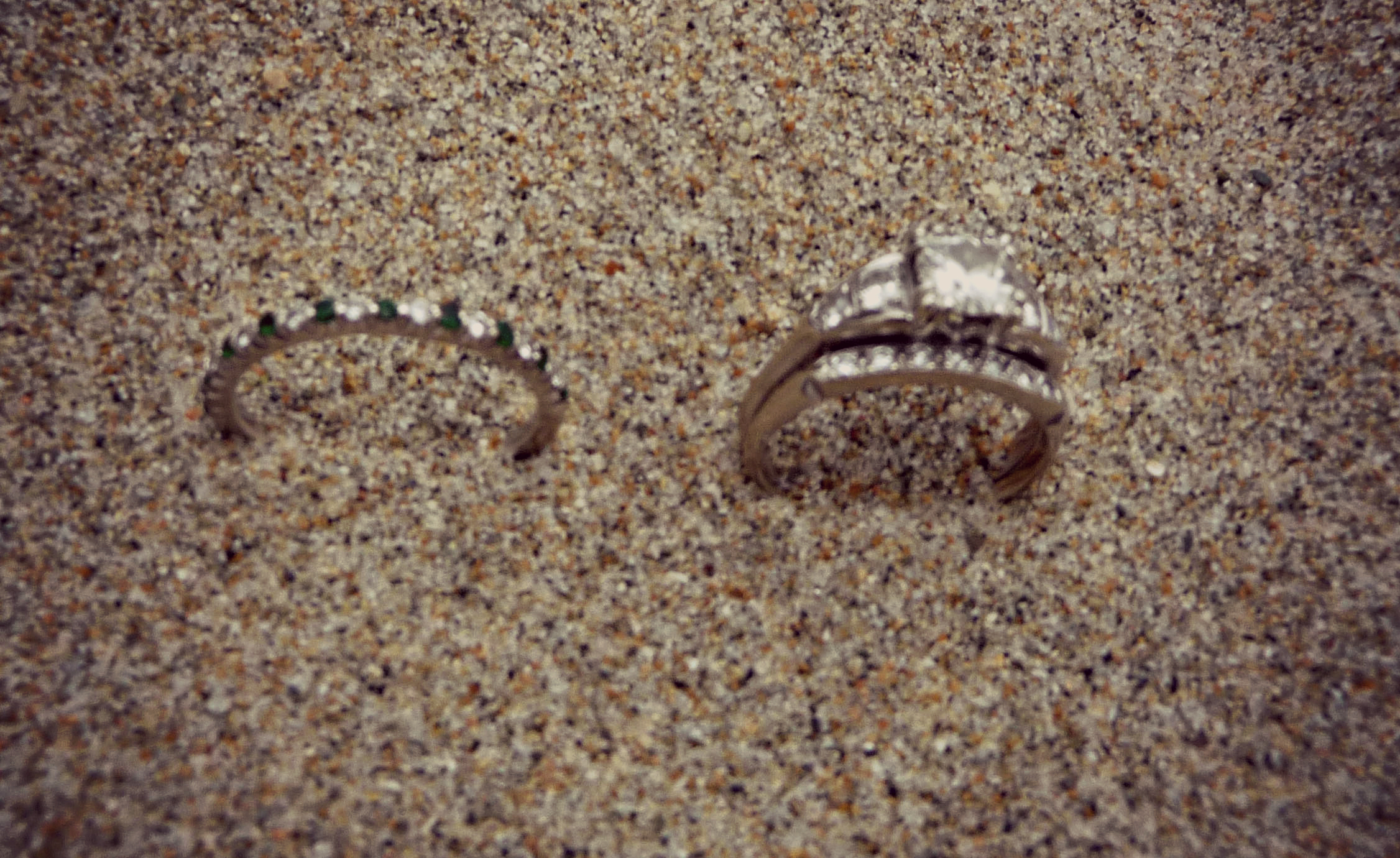 Why You Should Never Take Off Your Wedding Rings SheJustGlows.com